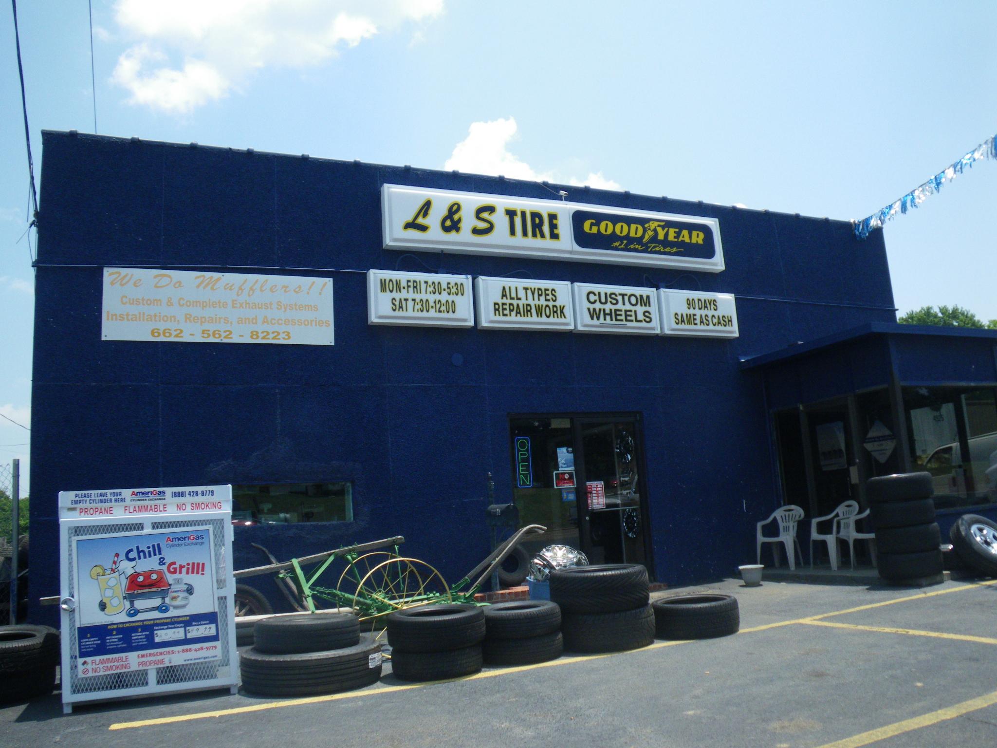 Senatobia Tire shop